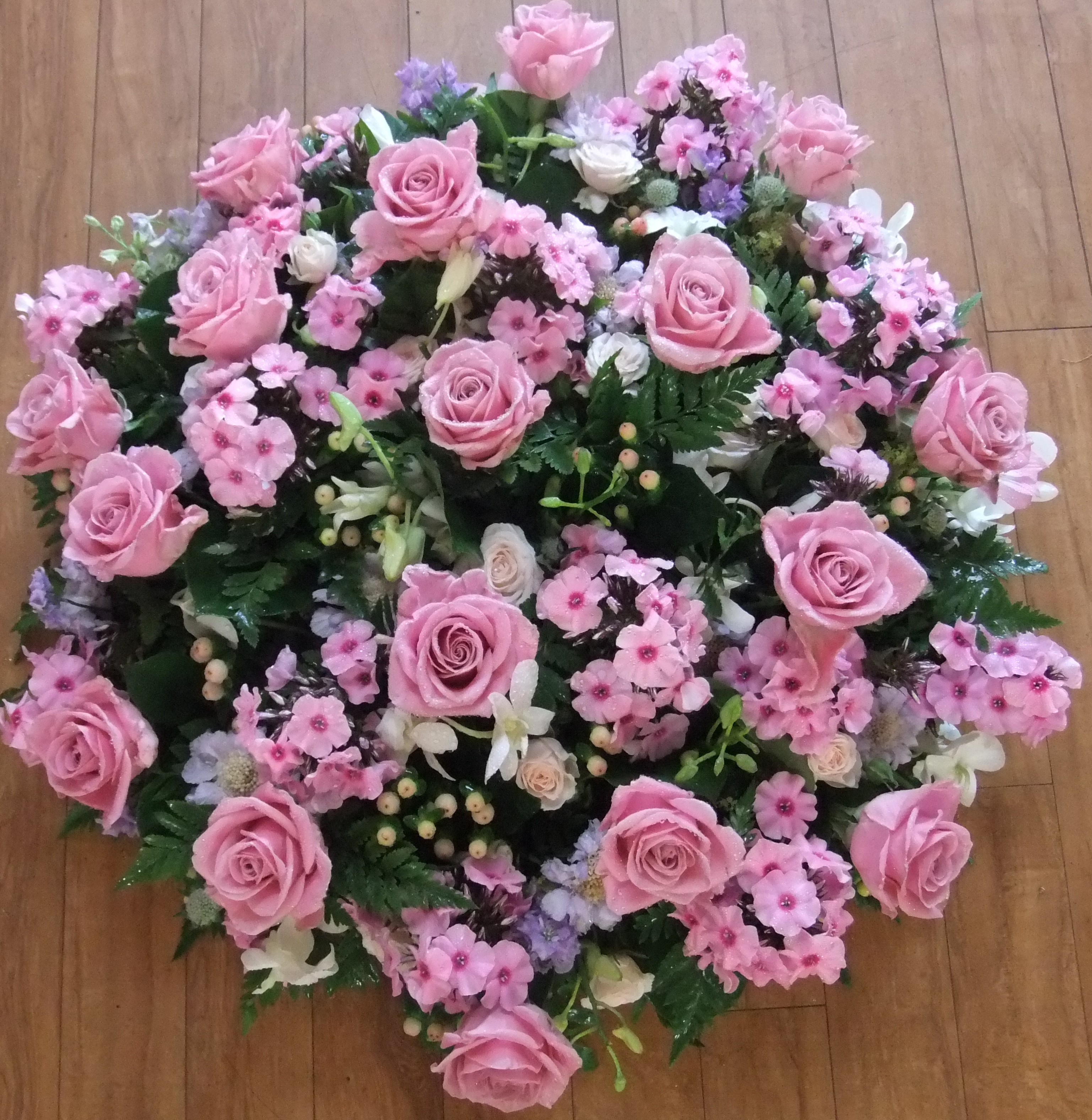 Flowers for funerals john thomas florist flowers for funerals izmirmasajfo Choice Image